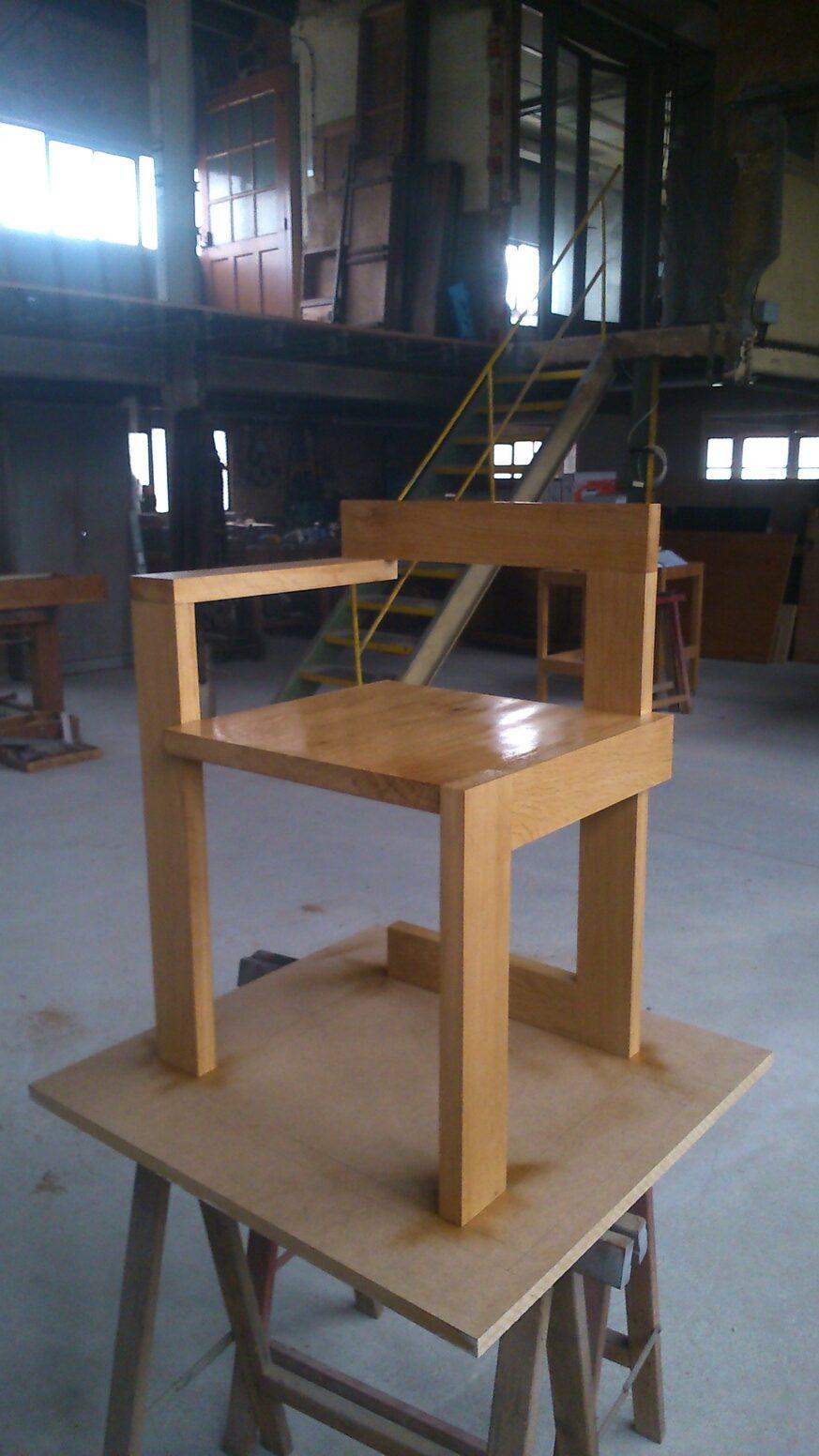 Chaise design atelier d 39 b nisterie angoul me for Mesure d une chaise