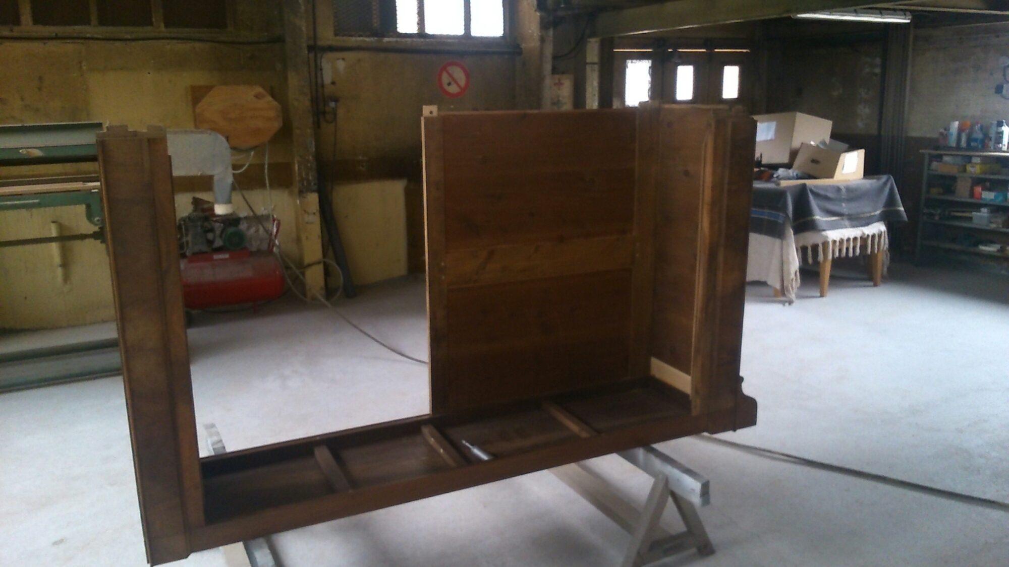 Restauration d une armoire louis philippe atelier d - Comment degivrer un congelateur armoire ...